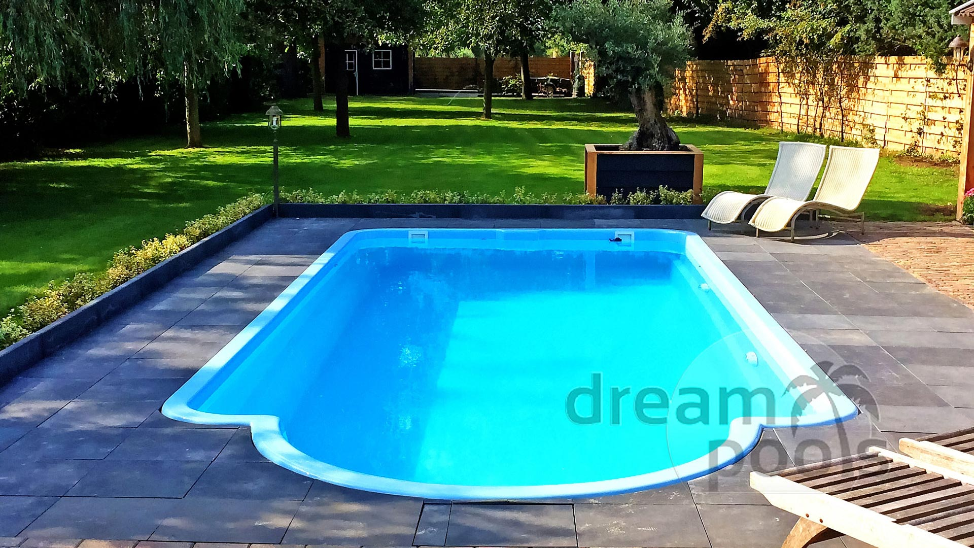 Dreampools de beste kwaliteit polyester zwembad for Zwembad polyester