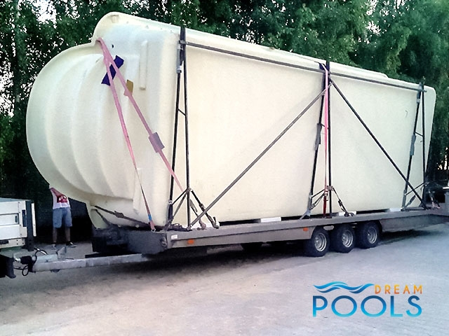 polyester zwembad levering 76